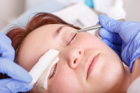 Scar cream can be used after eyelid surgery